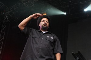 Photo by Eva Rinaldi from Sydney Australia (Ice Cube  Uploaded by russavia) [CC BY-SA 2.0 (http://creativecommons.org/licenses/by-sa/2.0)], via Wikimedia Commons