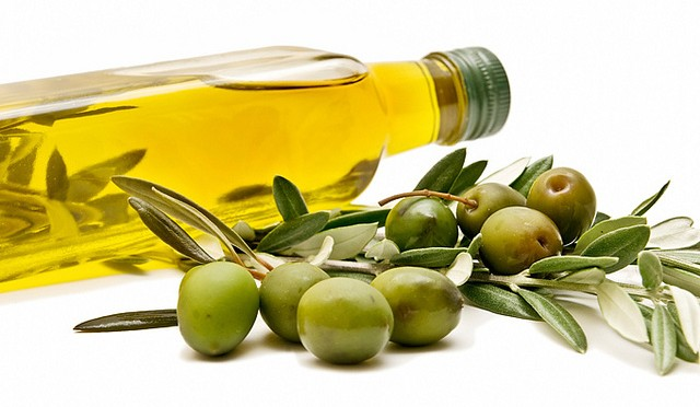 Daily Olive Oil Supplementation Improves Coronary Artery Disease Risk